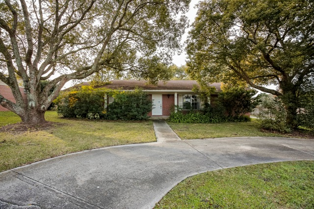 1203 Lake Miriam Dr, Lakeland in  County, FL 33813 Home for Sale