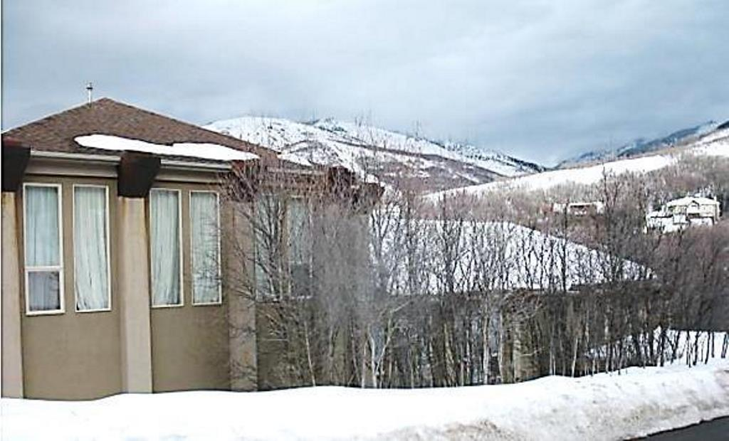 1807 Maple Hills Dr, Bountiful, Utah