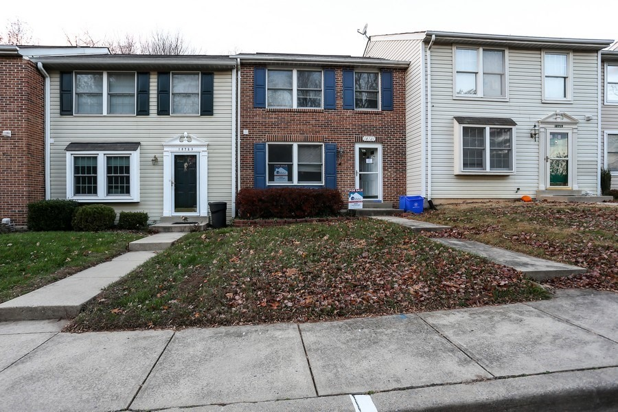 18721 Cross Country Ln, Gaithersburg, MD 20879