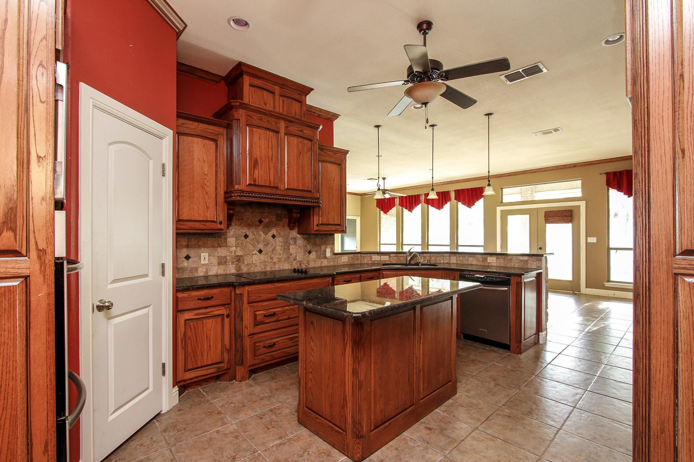 4714 Cimmaron Trl, Granbury in  County, TX 76049 Home for Sale