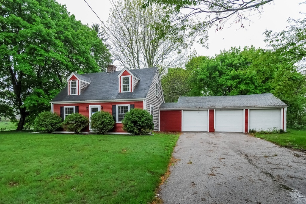 841 Usquepaugh Rd, West Kingston, RI 02892