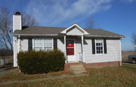 816 Washington Ave, Oak Grove, KY 42262