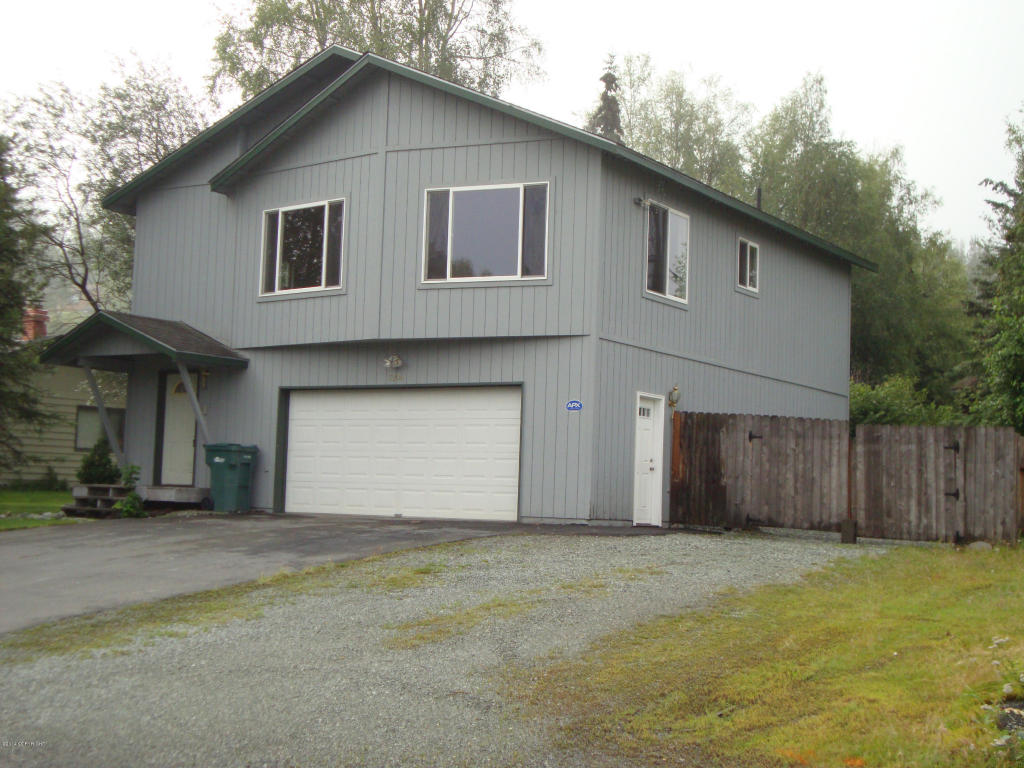 17206 N Juanita Loop, Eagle River, AK 99577