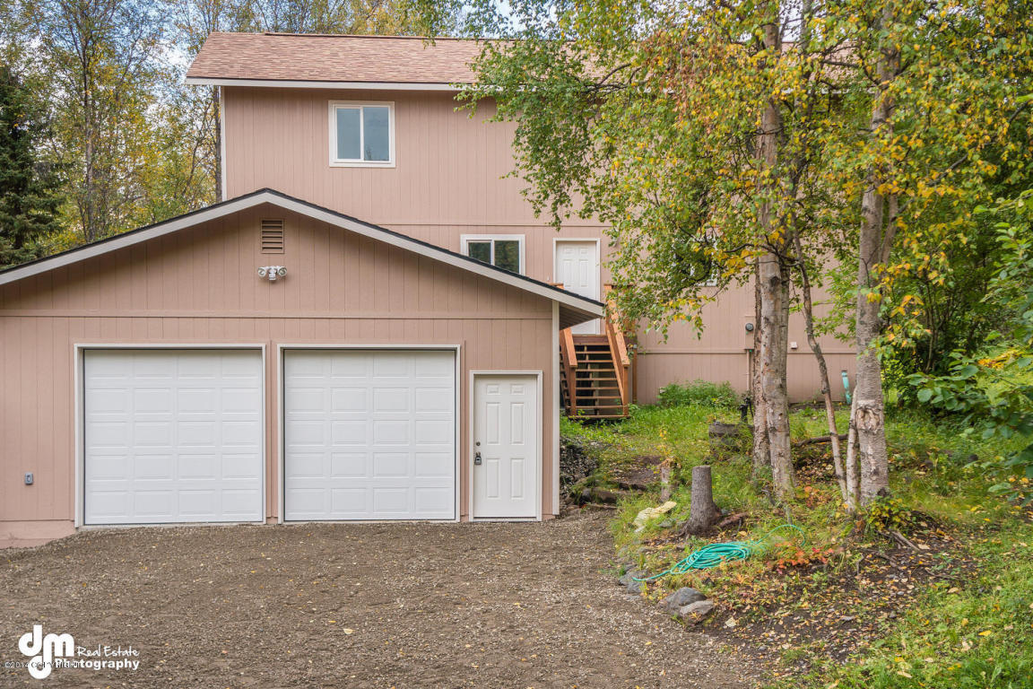 6961 Waterfall Dr, Eagle River, AK 99577