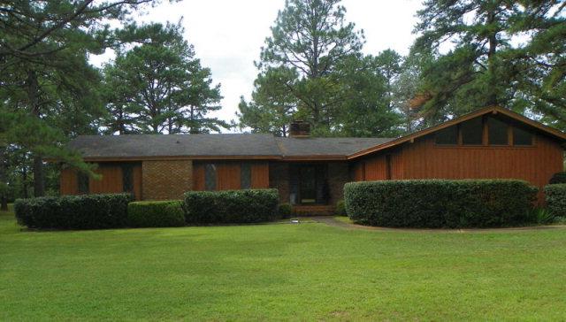 Photo of 4510 Chateau Drive  Albany  GA