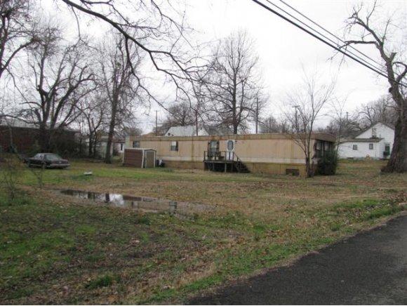 614 W Spaulding Ave, Checotah, OK 74426