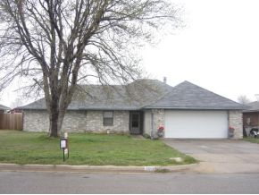 2013 Morgandee Ln, Weatherford, OK 73096