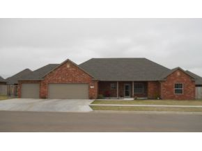 2209 Pinnacle Dr, Weatherford, OK 73096