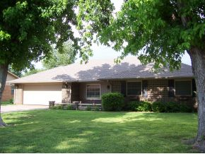 1308 Jefferson St, Weatherford, OK 73096