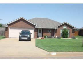 312 Mary Dr, Elk City, OK 73644