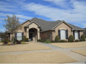 2221 Pinnacle Dr, Weatherford, OK 73096