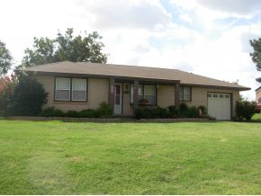 711 N 5th St, Weatherford, OK 73096
