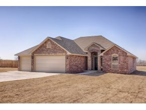813 Abi Rd, Purcell, OK 73080