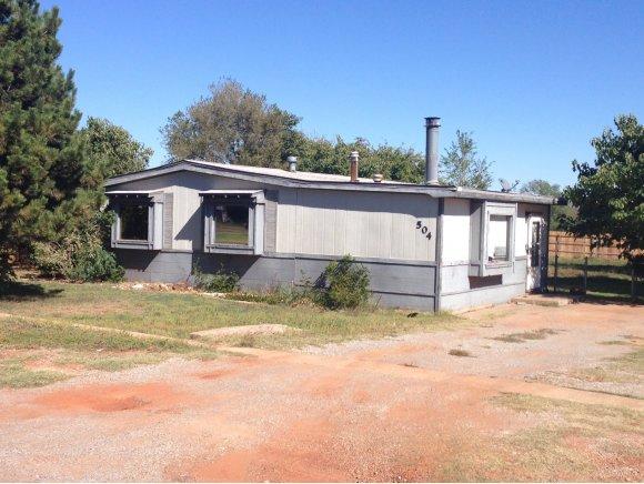 504 N Wolfley Ave, Elk City, OK 73644