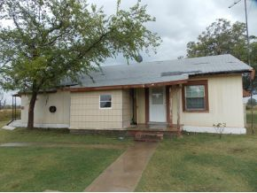 703 E Williams St, Byars, OK 74831