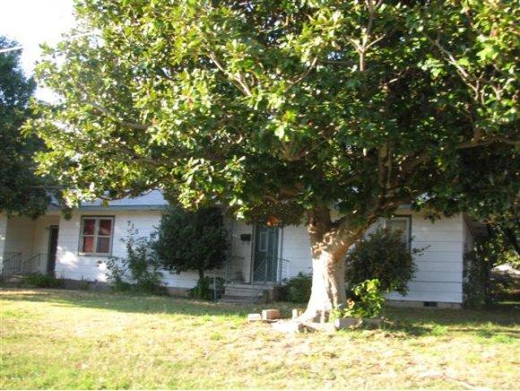 715 W South # AVE, Checotah, OK 74426