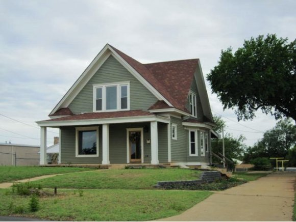 511 N Broadway St, Weatherford, OK 73096