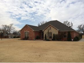 311 S 7th St, Canute, OK 73626