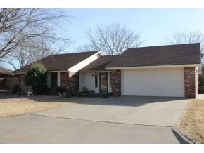 1324 E Quail Ave, Weatherford, OK 73096
