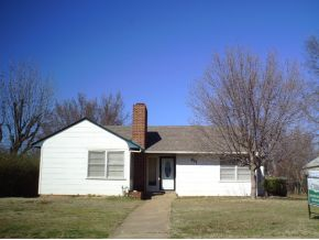 411 10th Ave NW, Ardmore, OK 73401