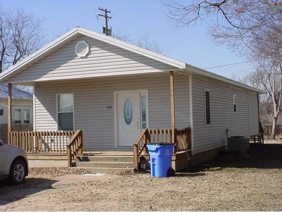 707 SW 2nd St, Checotah, OK 74426