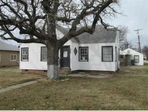 306 S 6th Ave, Madill, OK 73446