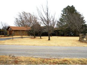 10296 Custer City Rd, Clinton, OK 73601