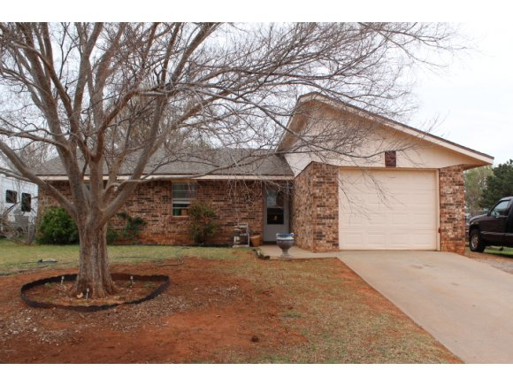 123 Mary Dr, Elk City, OK 73644