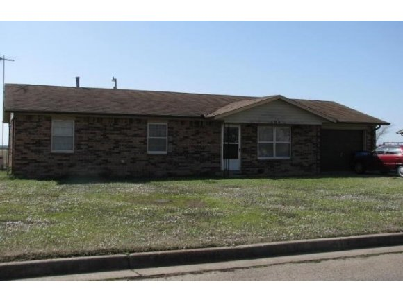 404 Mccombs Ave, Checotah, OK 74426