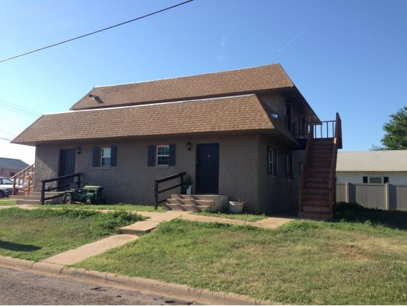 100 E Noble Ave, Sayre, OK 73662