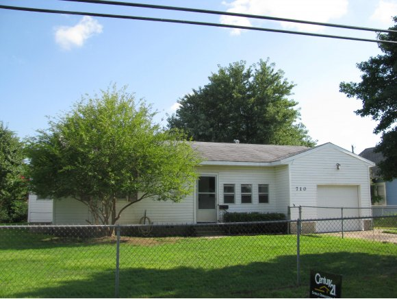 710 W South # AVE, Checotah, OK 74426