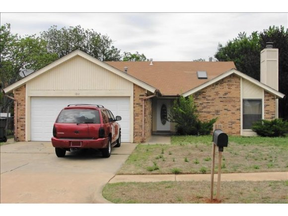 Rental Homes for Rent, ListingId:29094141, location: 1811 OAKCREEK Norman 73071