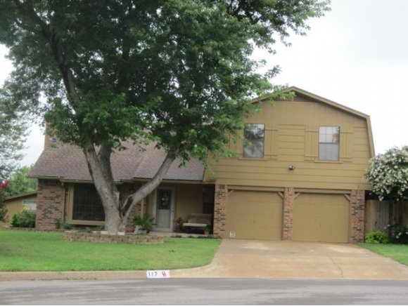 117 Jackson Ave, Weatherford, OK 73096
