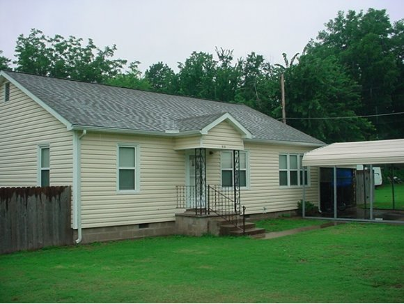 616 W Audd Ave, Checotah, OK 74426