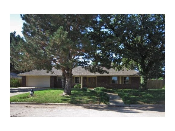 1442 Pine Ave, Weatherford, OK 73096
