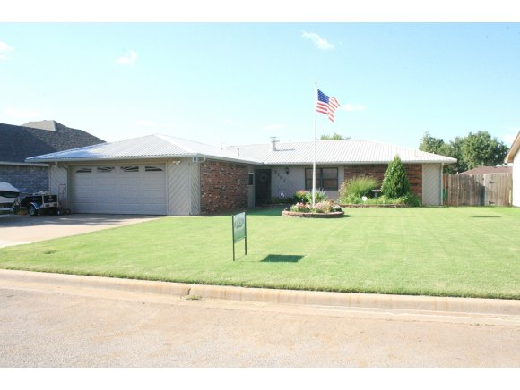 2101 Morgandee Ln, Weatherford, OK 73096