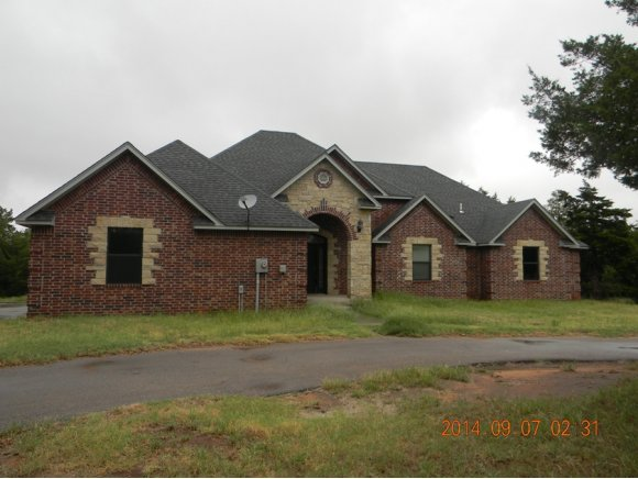 1951 Corbin Ln, Weatherford, OK 73096