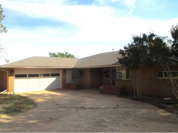916 N Kansas St, Weatherford, OK 73096