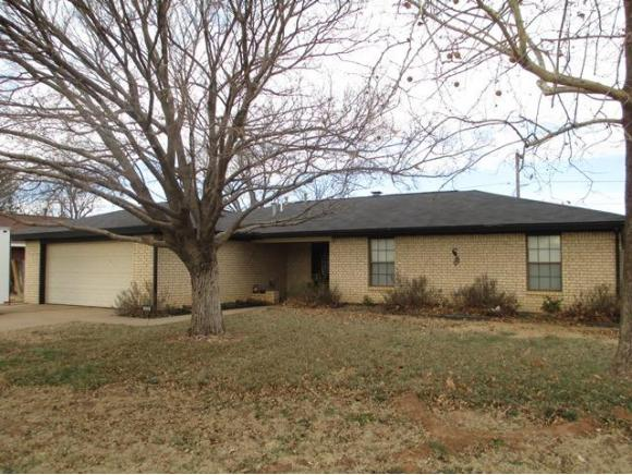1529 Saber Ln, Weatherford, OK 73096