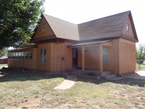 820 E Kiowa St, Cordell, OK 73632