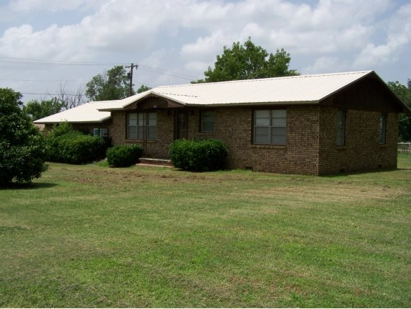 330 W Division St, Roff, OK 74865