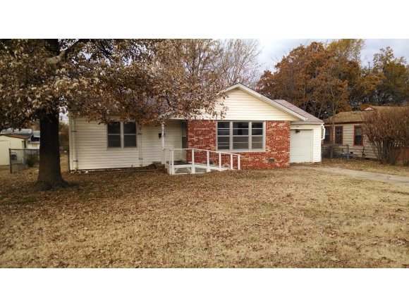 Rental Homes for Rent, ListingId:30833608, location: 1115 S 14th McAlester 74501