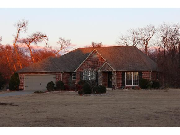 2106 Avalon Dr, Eufaula, OK 74432
