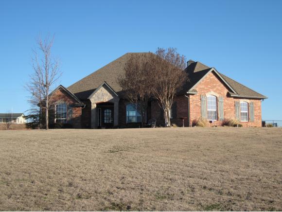 2286 Cottage Ln, Blanchard, OK 73010