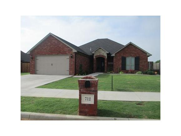 712 Cornerstone Ave, Weatherford, OK 73096