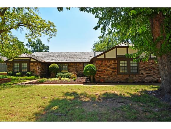 3922 Orchard Ln, Norman, OK 73072