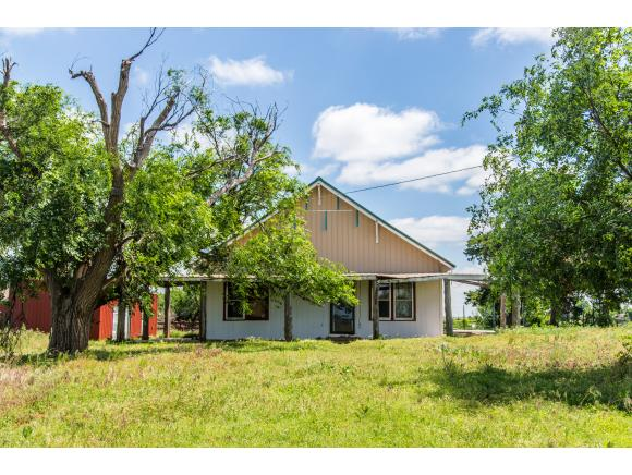24008 E 1040 Rd, Weatherford, OK 73096