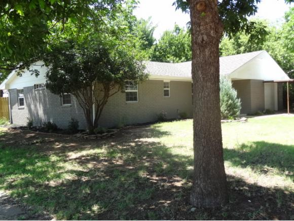 600 N West St, Cordell, OK 73632