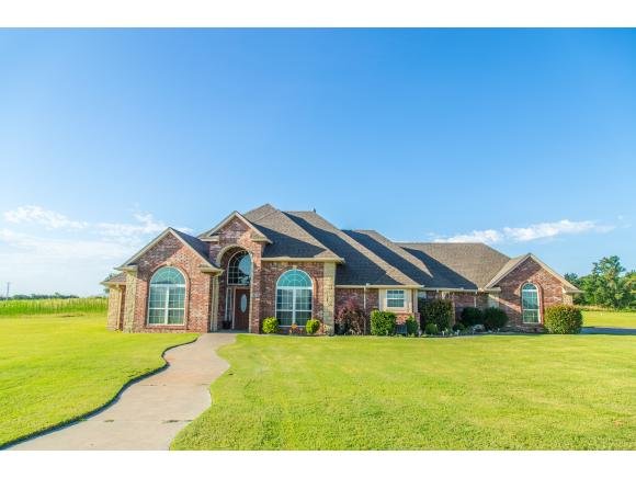 2900 Logan Rd, Weatherford, OK 73096