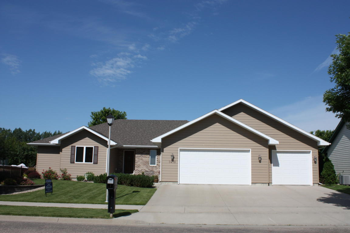 Real Estate for Sale, ListingId: 31989869, Aberdeen,SD57401